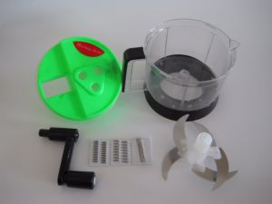 Plastic Kitchen Tools Vegetable Grater No. Gp06 pictures & photos