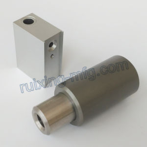 Custom Made Aluminum Bushing Assembling with Steel Shaft pictures & photos