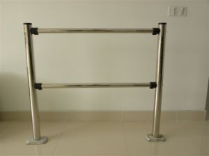 Stainless Steel Fence Pole pictures & photos
