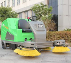 Hot Sale Battery Powered Electric Steet Sweeping Vehicle with Big Brush (DQS18A) pictures & photos