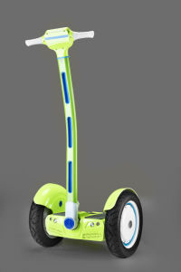 Factory Supply High Quality 15 Inch Self-Balancing Electric Scooter with Handle Bar pictures & photos