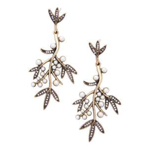 New European and American Inlaid Crystal and Pearl Leaves Shaped Alloy Women′s Earrings pictures & photos