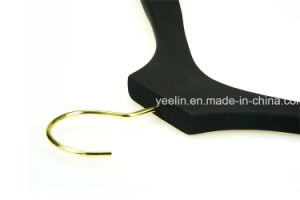Yeelin Rubber Coated Wooden Clothes Hanger for Display (YLWD-d6) pictures & photos