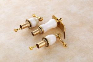Hot Sales Bathroom Basin Copper Faucet (SD-T-003A) pictures & photos