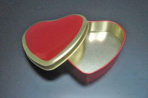 Heart Shape Chocolate Tin Box Supplier in China pictures & photos