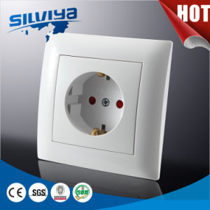 Schuko Wall Socket with Grounding with Child Protection pictures & photos