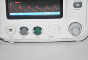 Factory Price 7-Inch 5-Parameter Patient Monitor (RPM-8000A) -Fanny pictures & photos