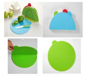 Plastic Chopping Board/Foldable Cutting Board pictures & photos
