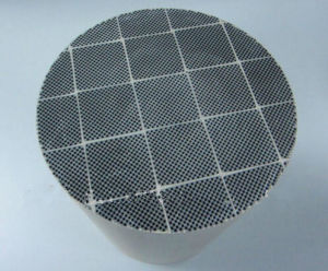 Silicon Carbide Diesel Particulate Filters Honeycomb Ceramic Filter (DPF) pictures & photos