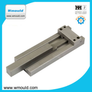 Plastic Injection Molding Machine Parts of Latch Locking pictures & photos