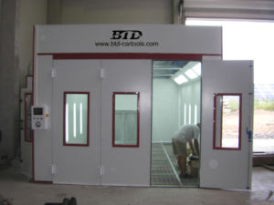 Car Spray Booth/Car Paint Booth /Baking Oven pictures & photos