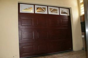 Modern Garage Doors with Good Quality and Favorable Price pictures & photos