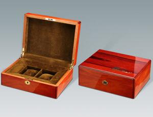 Excellent Glossy Wooden Watch Packaging Box pictures & photos
