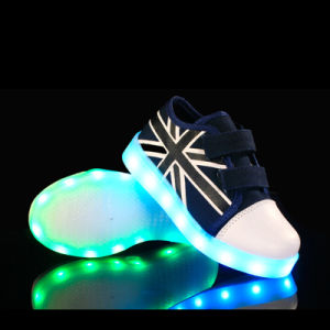 2016 New Style Children′s LED Shoes LED Light Shoes with Unisex USB Charging for Kids pictures & photos