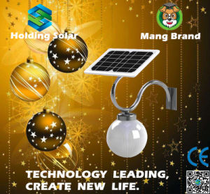 Energy Saving Solar Powered LED Street Light with IP65 pictures & photos