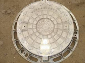 En124 D400 Casting Manhole Cover with Round Frame pictures & photos