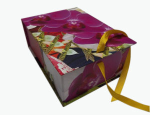 Foldable Gift Paper Packaging Box (YY-P0001) pictures & photos