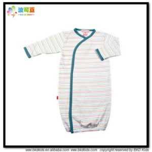 Stripe Printing Baby Garment Kimino Style Newborn Sleeping Jumpsuit pictures & photos