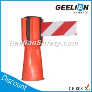 Wall Mount Retractable Belt Barrier/Collapsible Barrier Stanchion pictures & photos