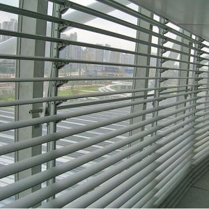 Aluminum 84r Linear Louver for Exterior Decorative pictures & photos