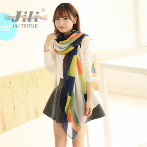 Ladies Famious Brand Voile Scarf Wholesale Customized Women Geometry Printed Scarf pictures & photos