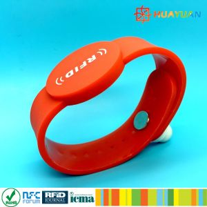 Security Locked Waterproof Passive Silicone RFID Bracelet pictures & photos