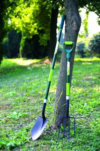 Garden Tools Forged Steel Square Spade Post Hole Shovel with Fiberglass Handle pictures & photos