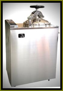 Vertical Pulse vacuum Sterilizer pictures & photos