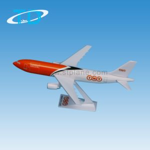 A330-600 TNT Plastic Airbus Aircraft Business Gift pictures & photos