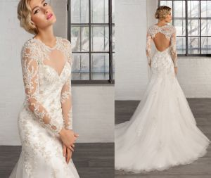 Embellished Appliques Keyhole Bridal Wedding Dress pictures & photos