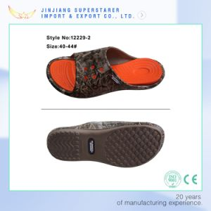 EVA Injection Holey Anti-Slip Bath Outdoor Beach Slipper pictures & photos