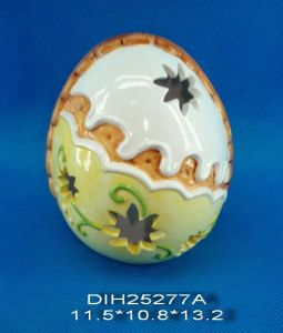 Hand-Painted Egg-Shaped Ceramic Tealight Candle Holder pictures & photos