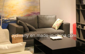 Italian Modern Black Leather Home Sofa (D-72-D) pictures & photos
