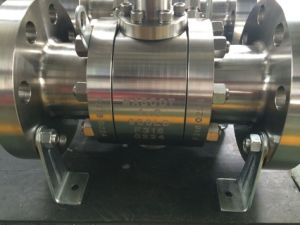 ASTM A182 F51 Forged Trunnion Ball Valve pictures & photos