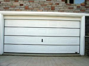 White Color Automatic Garage Door (UID-G009) pictures & photos