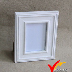 Wood Photo Frame White with Stand pictures & photos