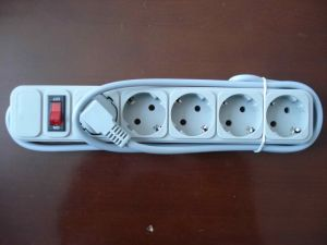 European Standard Ukraine 5 Way Extension Socket with Switch pictures & photos