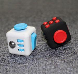 Kid Children Metal Plastic Ball Bearing LED Hand Toys Finger Fidget Spinner pictures & photos
