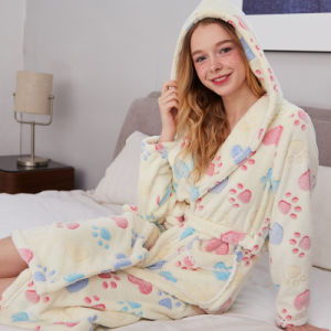 Promotional Women Hooded Flannel Bathrobe / Pajama / Nightwear pictures & photos
