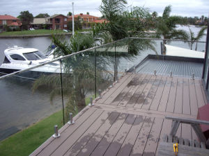 Australia Popular Design Frameless Glass Railing Systems for Patio / Swimming Pool / Fence Balustrade pictures & photos