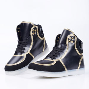 2016 of The Latest High Quality Fashion Adult Casual High Top LED Light Shoes pictures & photos