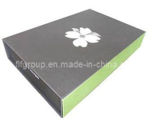 High End Flat Shipped Folding Paper Magnetic Gift Packaging T-Shirt Boxes pictures & photos