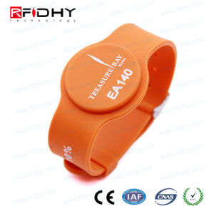 125kHz Silicone Wristband Watch Band Shape RFID Wristband pictures & photos