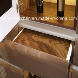 2016 Welbom Stylish Finish Painted Kitchen Furniture pictures & photos