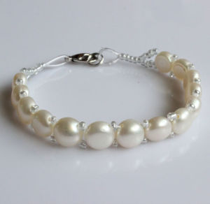 Cheap Natural Freshwater Pearl Bracelet Gift (EB1526-1) pictures & photos