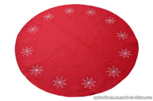 Non-Woven Polyester Christmas Tree Decorative Rug/Mat with Embroidering pictures & photos