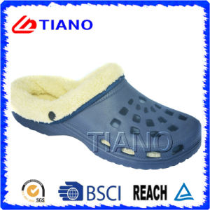 Winter Warm Clogs for Women and Men (TNK40001) pictures & photos
