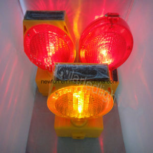 Brightness Solar LED Traffic Barricade Light pictures & photos