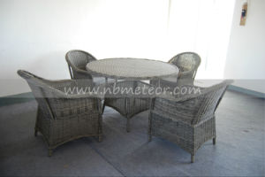 Mtc-050 Outdoor Rattan Round Table with Armchair Patio Garden Dining Set Wicker Dining Set pictures & photos