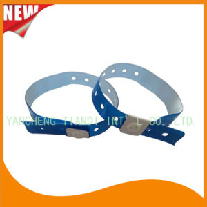 Entertainment Custom Plastic Vinyl Festival Evens ID Bracelets Wristbands (E60708) pictures & photos